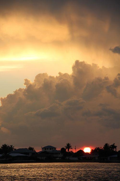 dramatic abendstimmung storm clouds abendstimmung