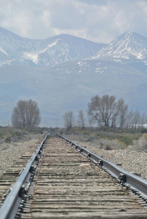 dreary vanishing point rail track