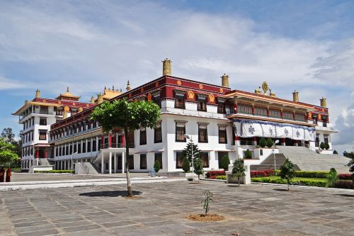 drepung gomang monastery mundgod tibetan settlement