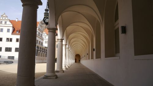 dresden palace colonnade