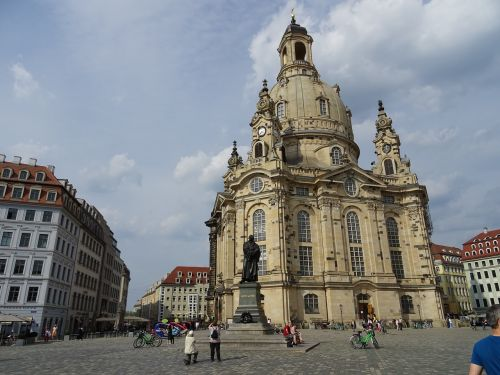 dresden frauenkirche terrassenufer