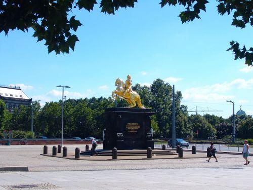 dresden reiter monument