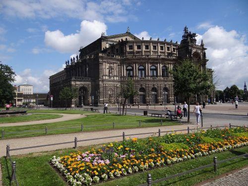 dresden opera square
