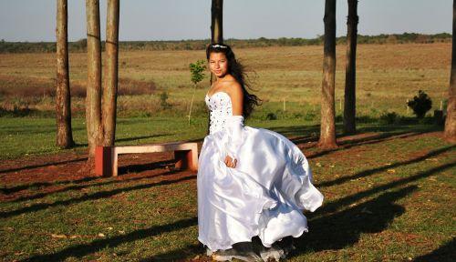 dress princess in the field