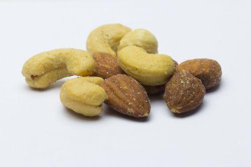 dried fruits cashews almonds