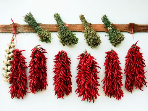 dried herbs chili garlic