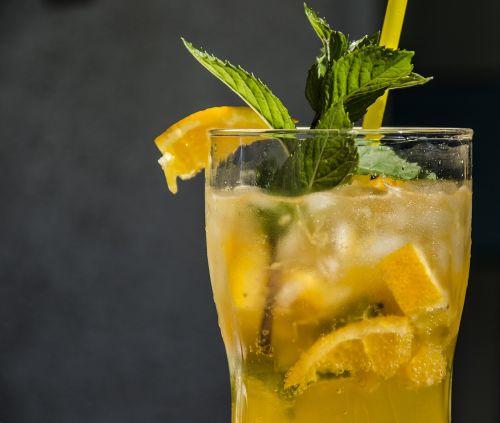 drink summer cocktail