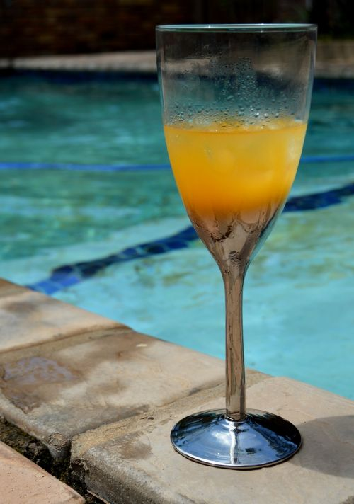 drink glass refreshment