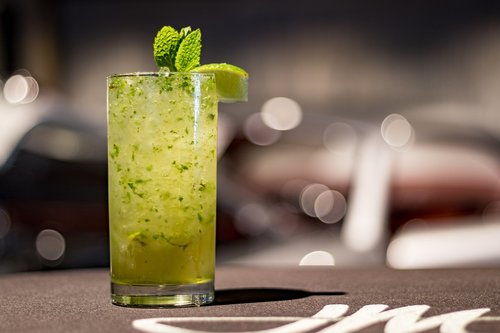 drink  cocktail  mojito
