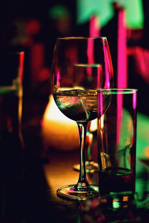 drinks glasses drinking