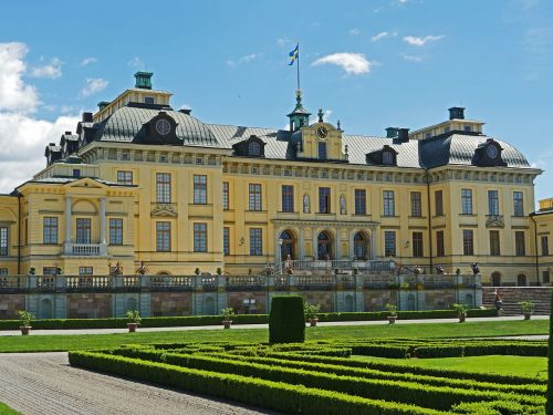 drottningholm palace main house garden side