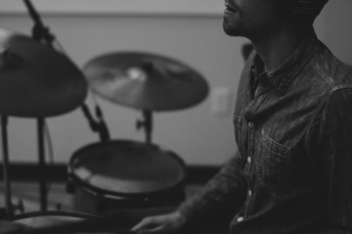 drummer cymbals drum kit