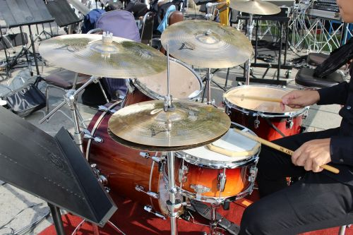 drumming percussion cymbals