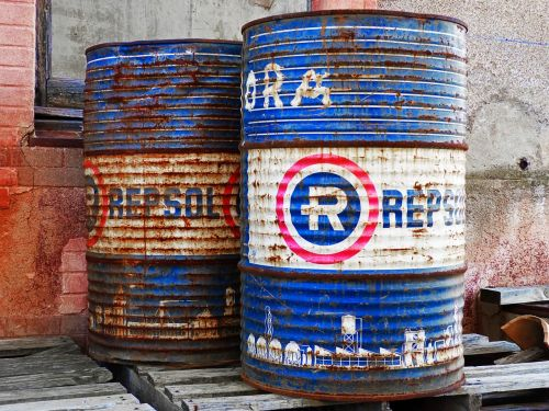 drums fuel barrels of oil
