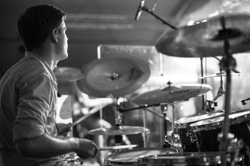 drums drummer floor
