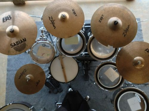 drums cymbals percussion