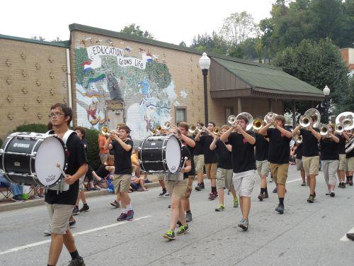 drums parade music