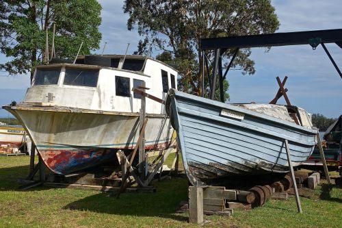 dry-dock boat yard repair