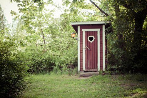 dry toilet country door