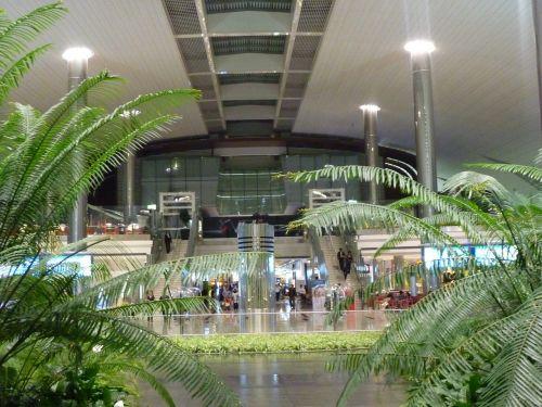 dubai airport united arab emirate