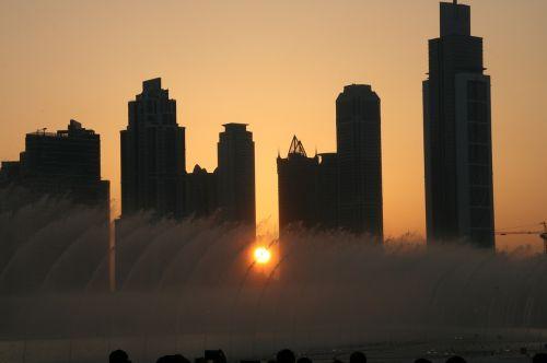 dubai dancing fountains united arab emirates
