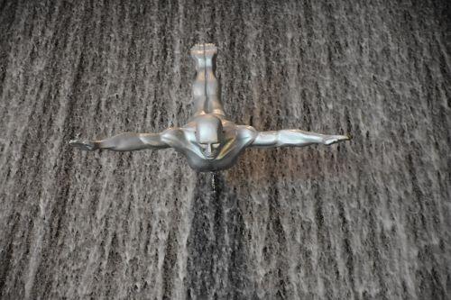 dubai mall waterfall mall