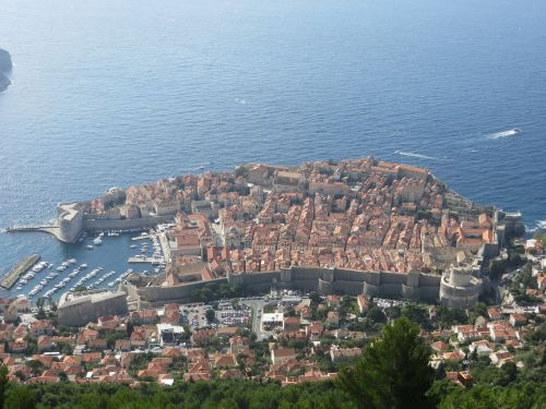 dubrovnik croatia walled city