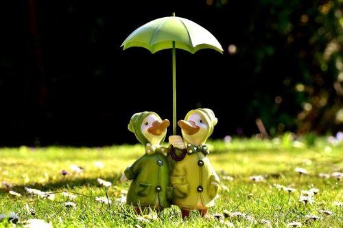 ducks figures parasol