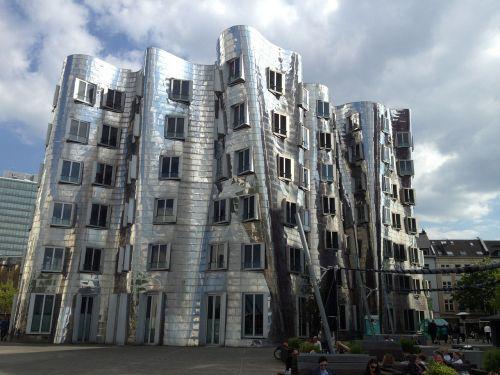 duesseldorf building architect