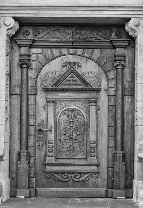 duisburg town hall entrance door