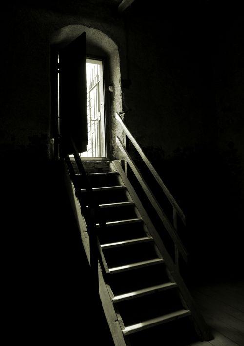 dungeon left dark