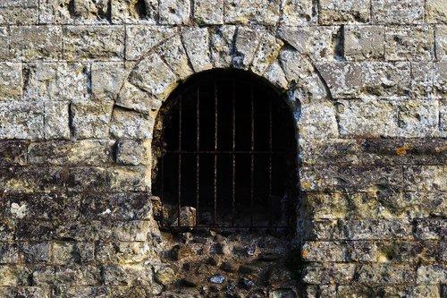 dungeon  stone  tunnel