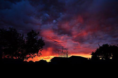 dusk sunset the gathering storm
