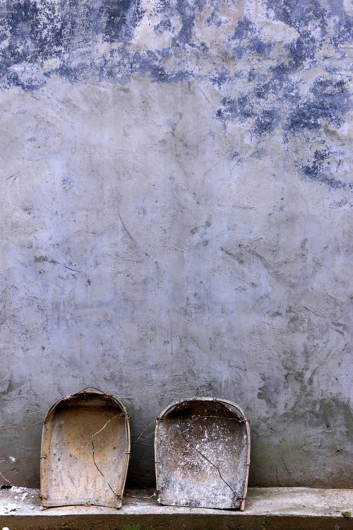 dustpan in rural areas white walls