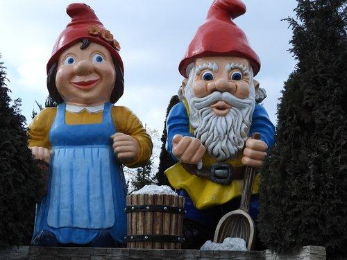 dwarves  park leprechaun  playground