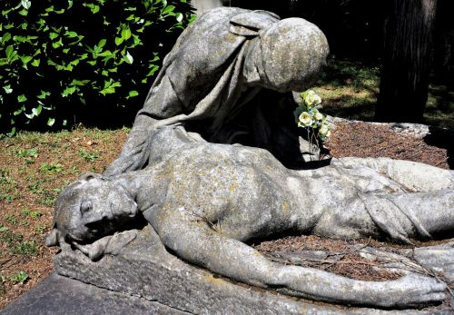 dying death sculpture