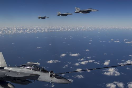 ea-18g growler refueling usn
