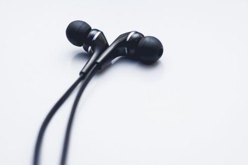 earphones earbuds cord
