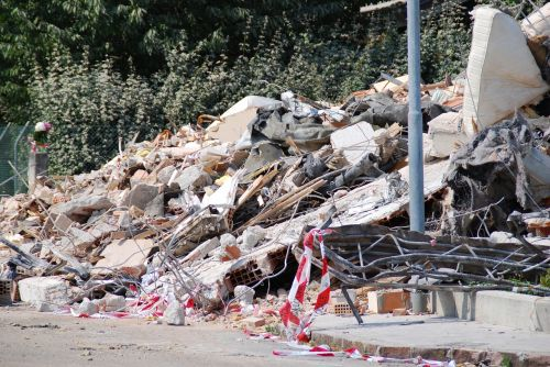 earthquake rubble collapse