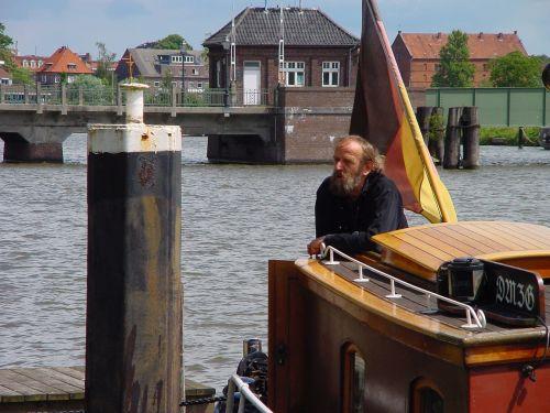 east frisia empty port