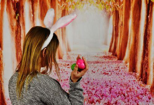 Velykos,mergaitė,triušio ausys,kiaušinis,Velyku Triusis,linksmų Velykų,Velykų sveikinimai,pavasaris,Velykų kiaušiniai