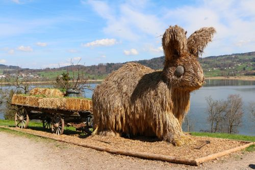easter hare straw