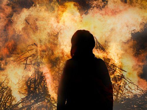 Velykų ugnis, Velykos, Ugnis, liepsna, blaze, deginti, muitinės, vasaros sezonas, karštas, prekinis ženklas, medžio ugnis, karščio banga, šiluma, angelai, ugnies liepsnos ugnis, ugnis liepsna, žėrintis, apšvietimas, židinys, šviesus, be honoraro mokesčio