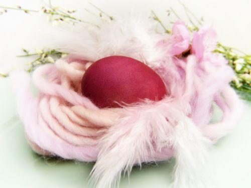 easter nest egg red