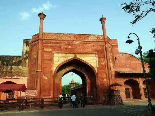 eastern gate taj mahal agra