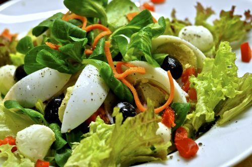 eat salad vitamins