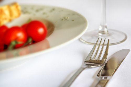 eat gedeckter table cutlery