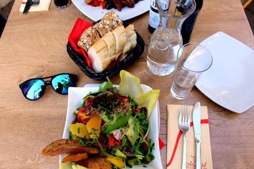 eat salad healthy