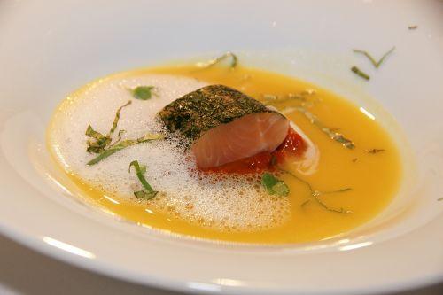 eat salmon soup