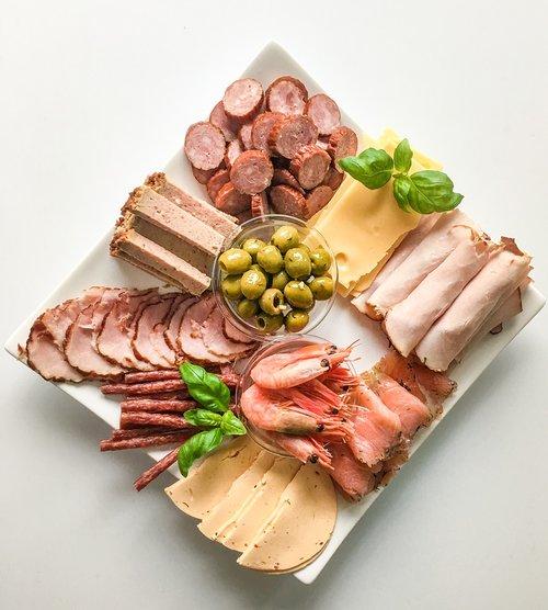 eating  sausage  meat